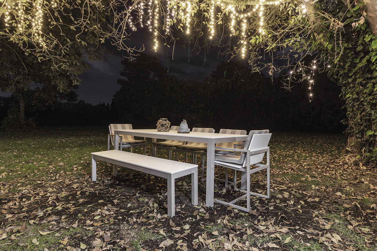 outdoor allure table