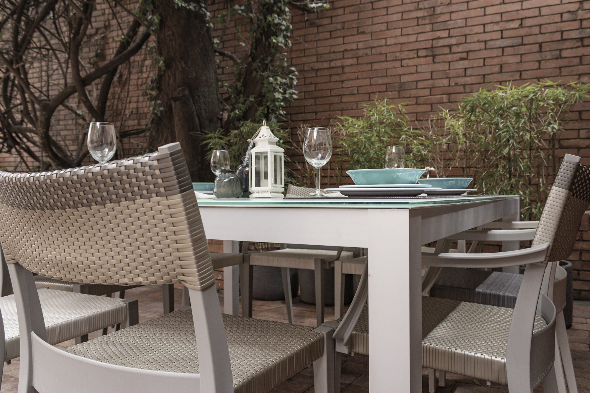 outdoor vetro table